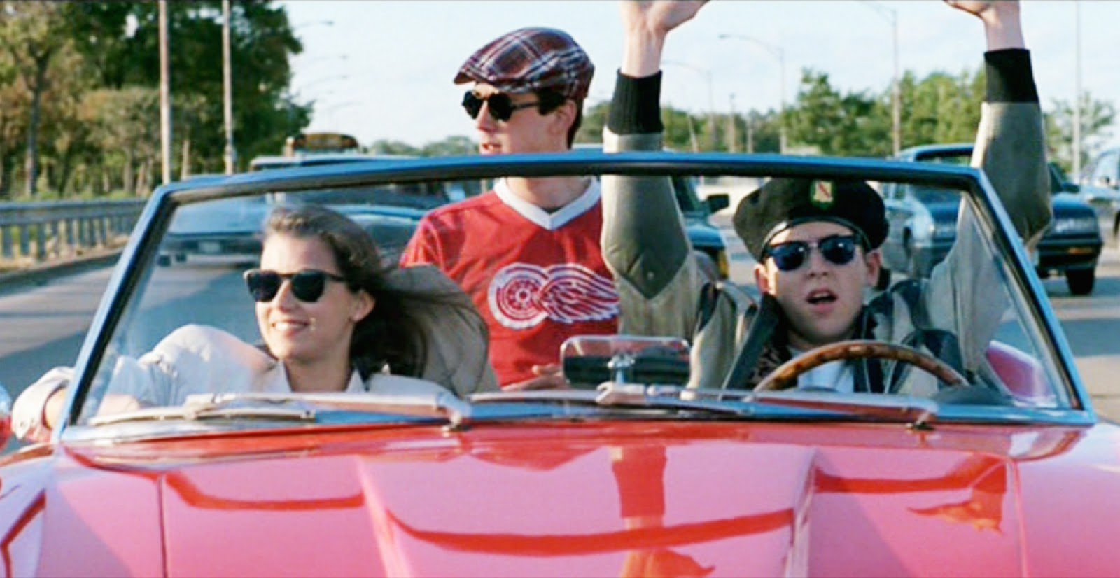 ferris buellers day off Teenaged ferris bueller wants a day off from school and he's developed an incredibly sophisticated plan to pull it off he creatively avoids his school's dean of students edward rooney, his resentful sister jeannie, and his parents.